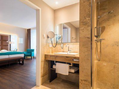Hotel room - bathroom of a Deluxe Junior Suite